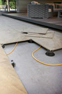 Raised floor, using pedestals
